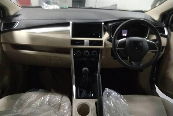 Nissan Livina tipe E MT tidak ada head unit