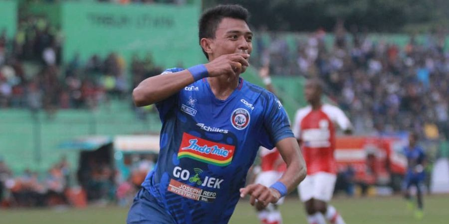 Dedik Setiawan Harus Kembali Menepi dan Absen Membela Arema FC