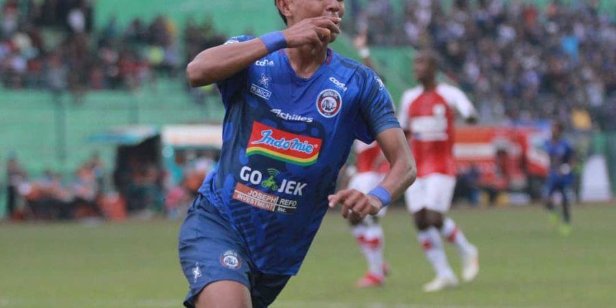 Duet Dedik Comvalius Bawa Arema FC Tekuk Persipura Jayapura