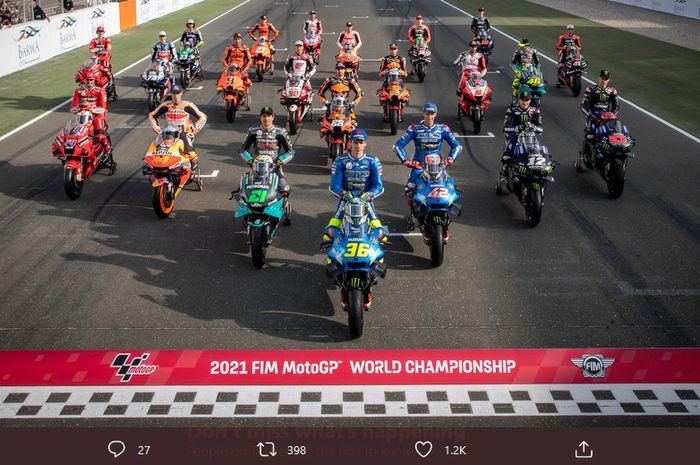 Para pembalap berpose menjelang seri pembuka MotoGP 2021 di Sirkuit Losail, Doha, Qatar,  25 Maret 2021.