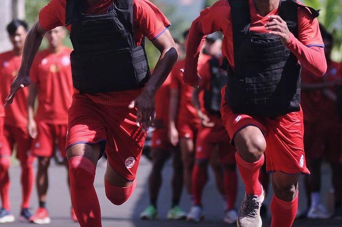 Para pemain Arema FC melakoni pemusatan latihan hari kedua di kawasan Agrokusuma, Kota Batu, pada Senin (20/1/2020).