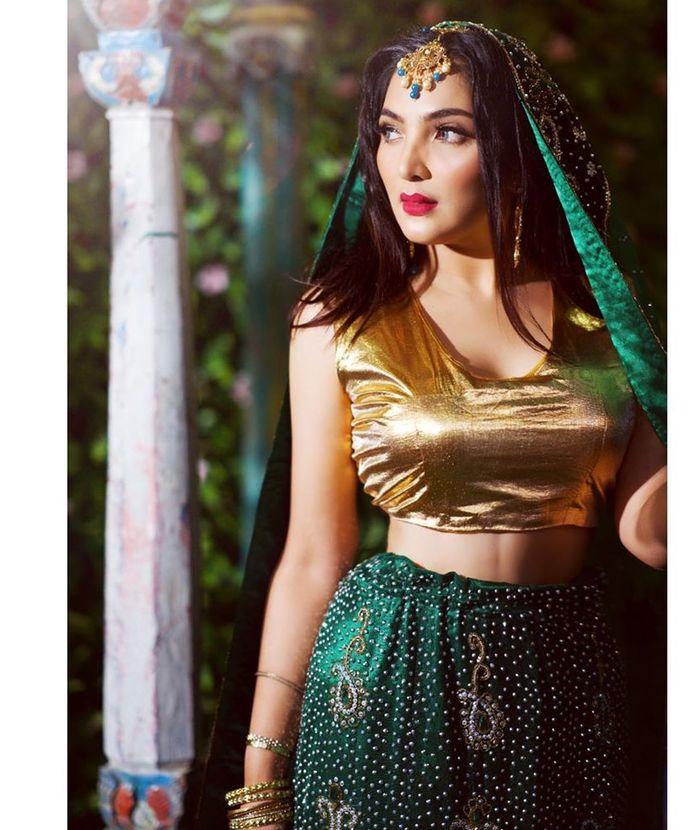 Penampilan seksi Ashanty saat berbalut busana bergaya India