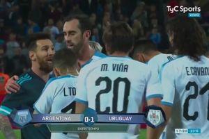 Diajak Berantem oleh Edinson Cavani, Lionel Messi Ladeni dengan 3 Kata