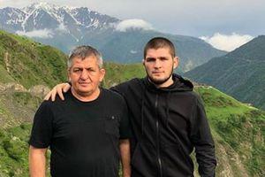 Menang Lawan COVID-19, Ayah Khabib Nurmagomedov Meninggal Dunia