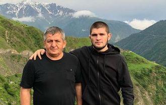 Sadar dari Koma, Ayah Khabib Nurmagomedov Masih Belum Bisa Diajak Bicara