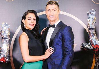 Keseksiannya Diakui Dunia, Kekasih Ronaldo Kini Jadi Model Merk Bikini di Italia