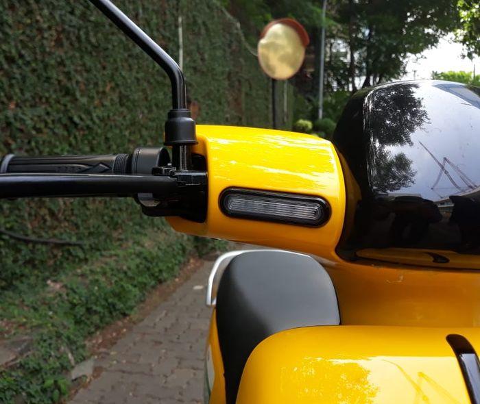 lampu sen MIGO Ebike terdapat di bagian kepala motor