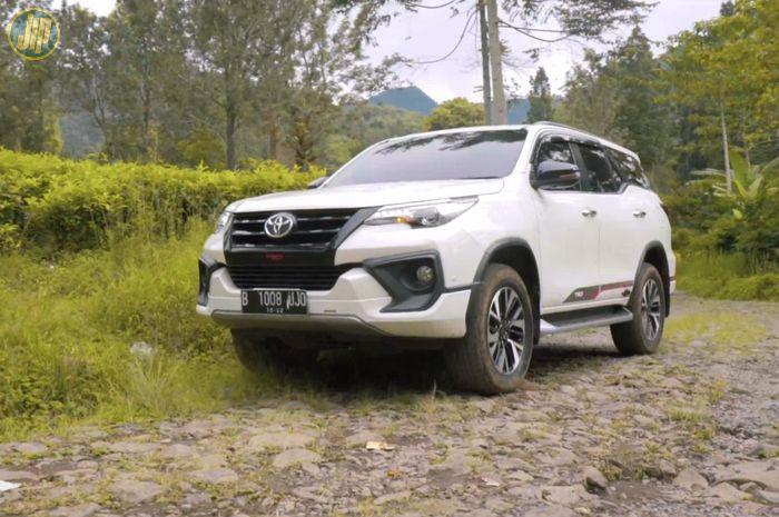 Toyota Fortuner handal dalam melahap medan off-road ringan