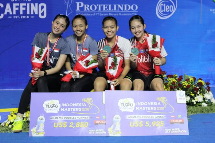 Ganda putri Indonesia, Siti Fadia Silva Ramadhanti/Ribka Sugiarto (kanan) dan Della Destiara Haris/Rizki Amelia Pradipta (Kiri)