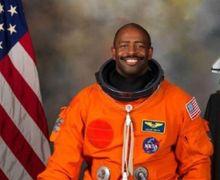 Astronaut NASA Ini Mengaku Pernah Melihat 'Alien' di Luar Angkasa