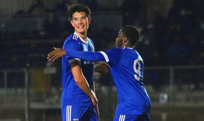 Bek timnas U-19 Indonesia, Elkan Baggott tampil selama 90 menit, mencetak gol dan membawa Ipswich Town U-18 menang 5-0 atas Chelmsford City di Melbourne Stadium dalam laga putaran kedua FA Youth Cup, Senin (23/11/2020).