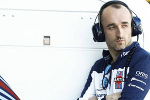 Robert Kubica Tegaskan Perpisahan dengan Williams adalah Keputusannya