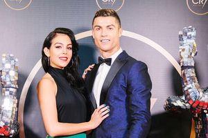 Gaun Hitam Terbuka Bikin Kekasih Ronaldo Buat Calon Kakak Ipar Hingga WAGs Atletico Madrid Ikut Berkomentar