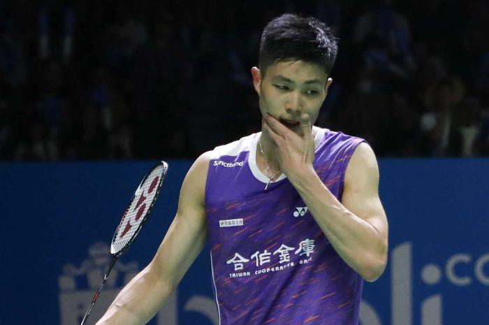 Pebulu tangkis asal Taiwan, Chou Tien Chen, tampil pada babak perempat final Indonesia Open 2019 di Istora Senayan, Jakarta, Jumat (19/7/2019).