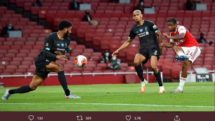 Reiss Nelson berhasil mencetak gol untuk Arsenal ketika menghadapi Liverpool pada laga pekan ke-36 Liga Inggris, di Stadion Emirates, Rabu (15/7/2020).