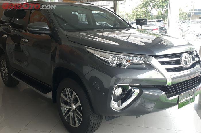 Toyota Fortuner dan Alphard 2017 Masih Ada 8ad591ba8e