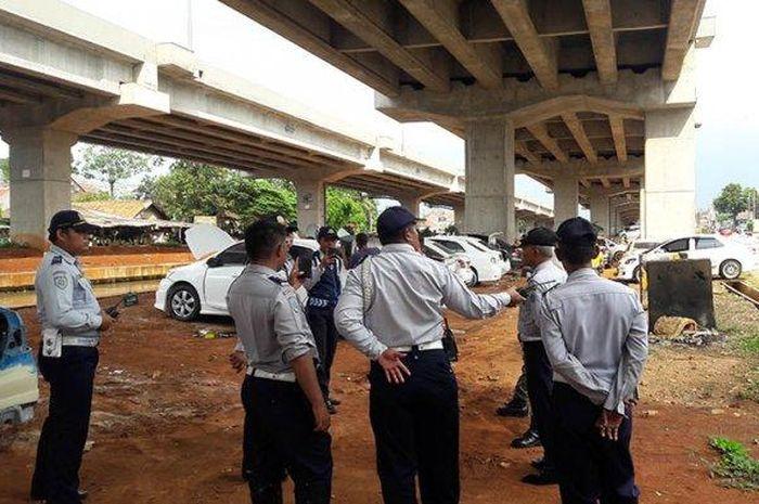 Sudinhub Jaktim Kasih Waktu Dua Hari Pemilik Mobil Pindahkan Kendaraannya