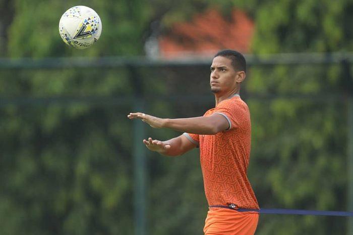 Pemain Borneo FC, Renan Silva.