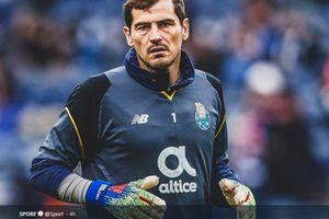 Lewat Komentar Twitter, Iker Casillas Ajak Para Pemain Barcelona Reuni