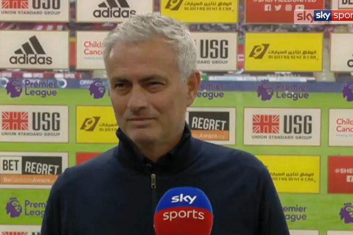 Pelatih Tottenham Hotspur, Jose Mourinho, berbicara seusai timnya kalah dari Sheffield United dalam laga Liga Inggris di Stadion Bramall Lane, Kamis (2/7/2020).