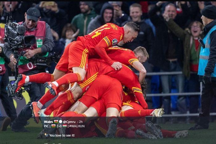 Selebrasi pemain Wales saat memastikan lolos ke putaran final Euro 2020 usai menang 2-0 atas Hungaria di Cardiff City Stadium, Selasa (19/11/2019) atau Rabu dini hari WIB.