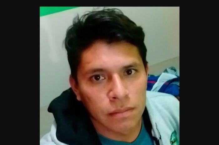 Kabar duka datang dari pemain Los Rangers asal Peru, Ludwin Florez Nole, yang meninggal dunia usai minum air dingin setelah berlaga.