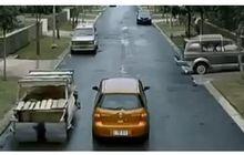 Mobil Lain Langsung Berubah jadi Mobil Flinstones, Yuk Nostalgia dengan Iklan Jadul Nissan Grand Livina