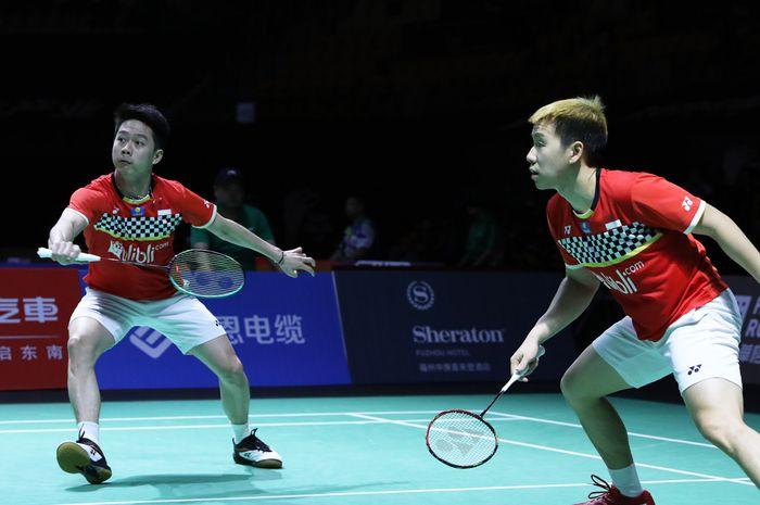 Marcus Fernaldi Gideon/Kevin Sanjaya Sukamuljo saat tampil pada babak perempat final Fuzhou China Open 2019, di Haixia Olympic Sports Center, Fuzhou, China, Jumat (8/11/2019).