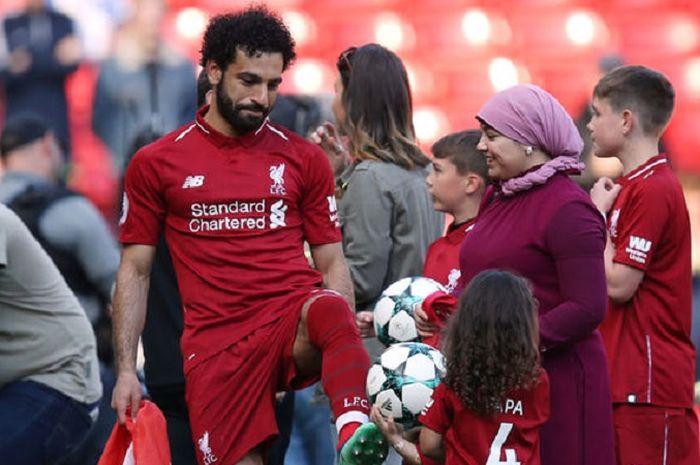 Mohamed Salah bersama istri dan anaknya