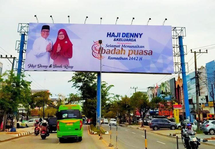 Baliho Bertebaran Jelang PSU, Denny Indrayana Kembali Dilaporkan ke Bawaslu