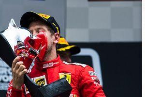 Kimi Raikkonen Tak Yakin Ferrari dan Sebastian Vettel Berselisih