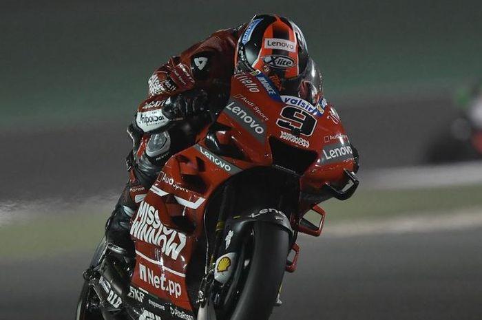 Pembalap tim Mission Winnow Ducati, Danilo Petrucci saat membalap di seri perdana MotoGP Qatar 2019