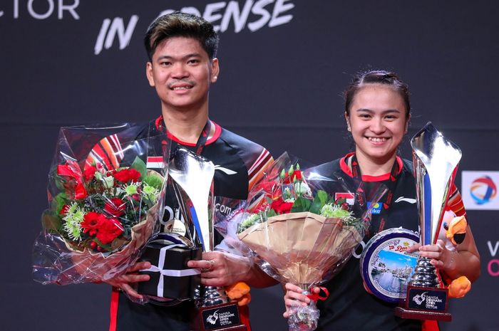 Ganda campuran Indonesia, praveen Jordan/Melati Daeva Oktavianti saat menjuarai Denmark Open 2019, Minggu (20/10/2019)