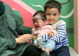 Momen Manis Rafathar Gendong Ansara, Anak Caca Tengker, Mulai dari Dipeluk Hingga Dicium, Gemes Banget!