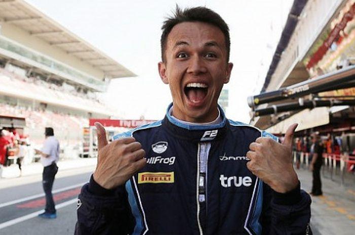 Pebalap Thailand, Alexander Albon yang akan menjalani debut F1 musim ini