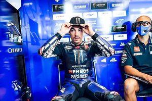 Raih Hasil Naik Turun, Rekan Valentino Rossi Merasa Kepalanya Pecah!
