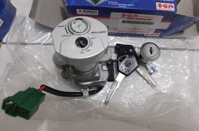 Kunci kontak magnet set milik Satria F150 karbu generasi akhir