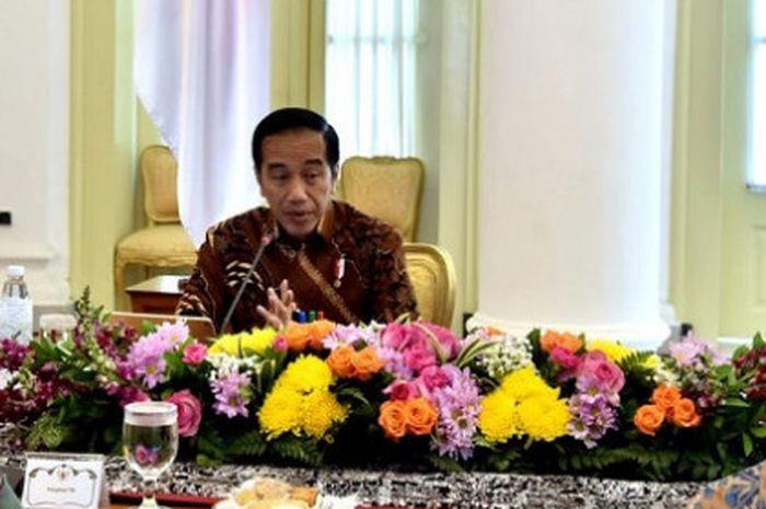 Presiden RI Joko Widodo bicara dakam rapat terbatas persiapan penyelenggaraan Asian Para Games 2018