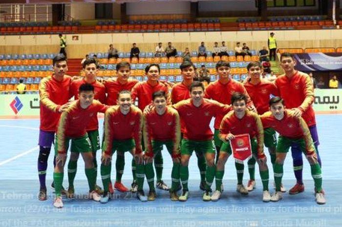 Timnas futsal U-20 Indonesia berpose jelang laga di Piala Asia Futsal U-20 2019 di Tabriz, Iran.