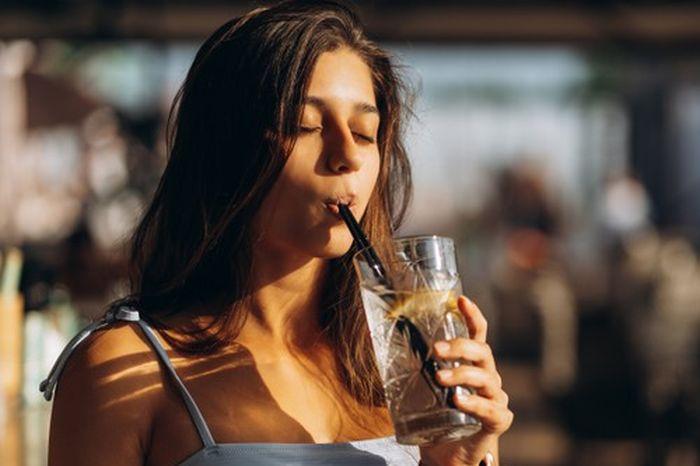 Minum Es Bisa Bikin Gendut? Masa Sih? Cari Tahu Faktanya Yuk!