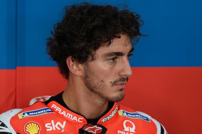 Francesco Bagnaia berhasil mengalahkan sang mentor, Valentino Rossi, yang berada di posisi ke-10