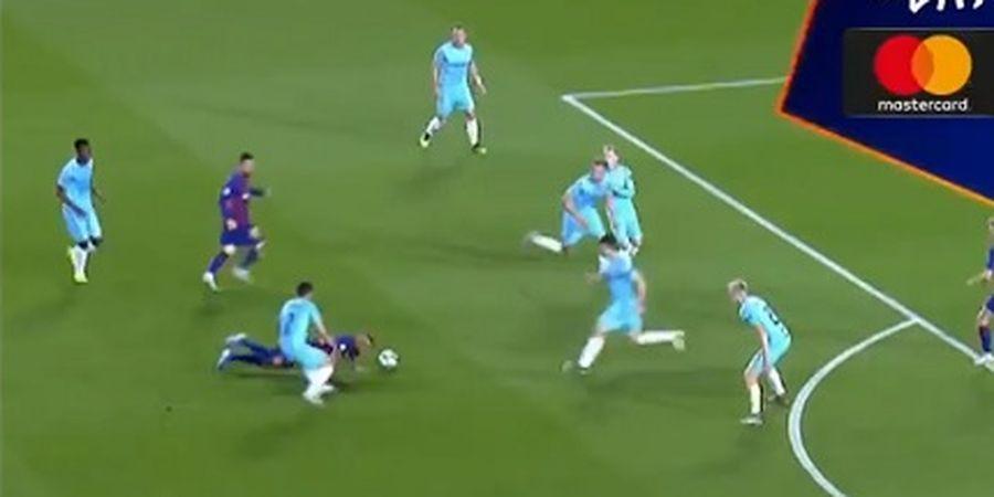 VIDEO - Sundul Bola di Tanah untuk Lionel Messi, Operan Vidal Jadi Aksi Terbaik