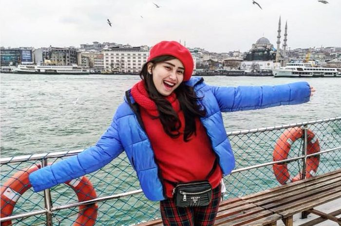 Ayu Ting Ting saat berlibur ke Turki