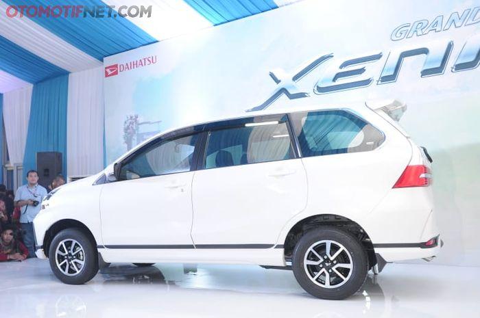 Daihatsu Great New Xenia. Tampak samping