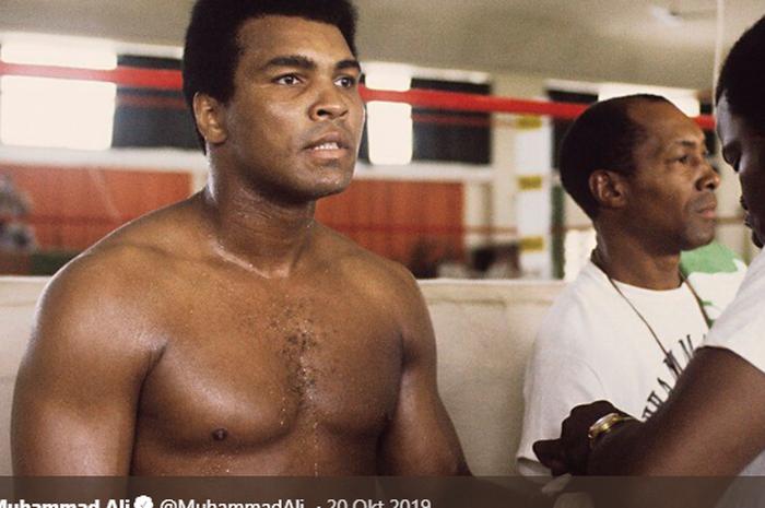 Legenda tinju asal Amerika Serikat, Muhammad Ali.