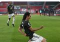 Berdalih Cuma Sapaan Akrab, Ucapan Cavani Terlanjur Rugikan Man United