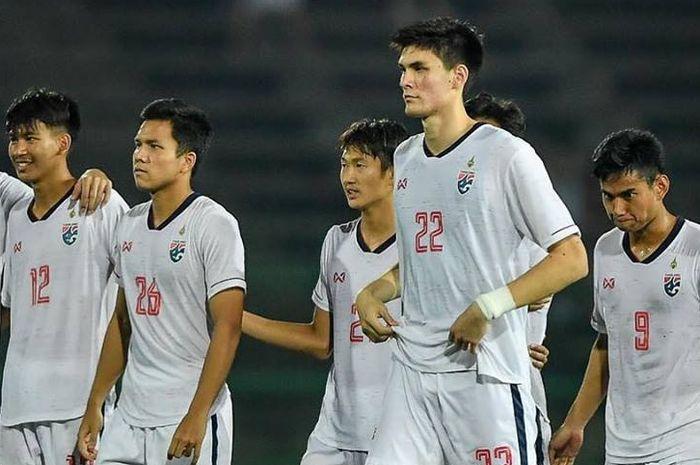 Bek timnas U-22 Thailand kelahiran Italia, Marco Ballini (22) saat bersama timnya menghadapi Kamboja pada semifinal Piala AFF U-22 2019, 24 Februari 2019.
