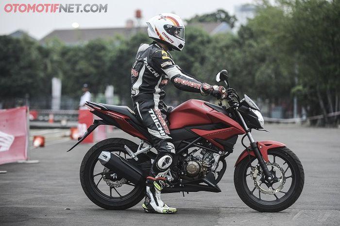 First Ride New Honda CB150R StreetFire