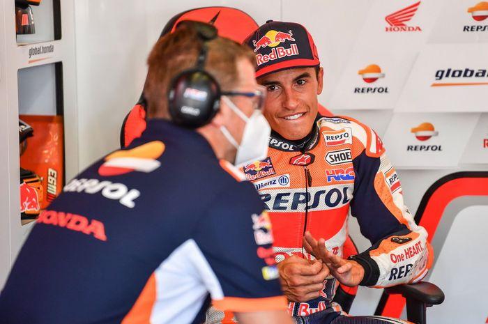 Tim Repsol Honda tidak melarang Marc Marquez balapan di MotoGP Andalusia 2020 setelah operasi patah tulang