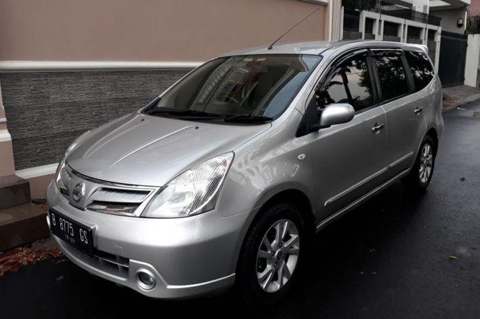 Ilustrasi Nissan Grand Livina